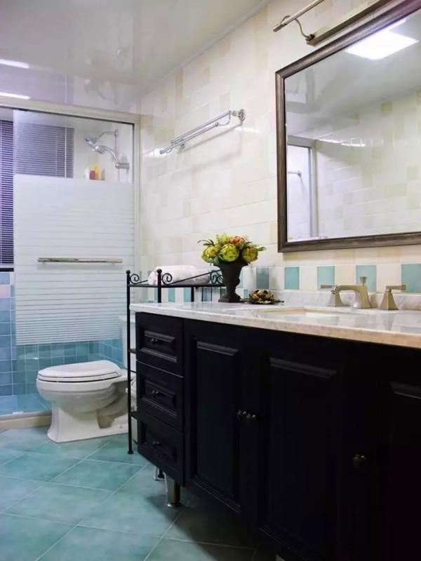 美式 三居 白领 收纳 小资 客厅 餐厅 卫生间图片来自沙漠雪雨在120平米经典美式休闲舒适三居的分享