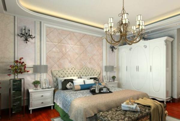 主卧采用了业主喜欢的红色地板,浪漫却又不与整个风格冲突。水晶吊灯折射出温馨的灯光,一天下来的疲惫,当回到心爱的家,躺在自己爱的卧室,这一刻是放松,开心的。