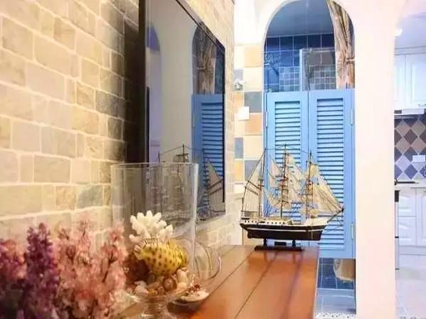 各种地中海风情的装饰品。