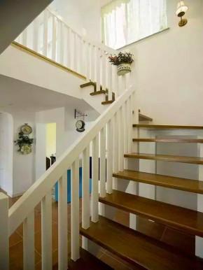 地中海 田园 复式 混搭 白领 旧房改造 小资 客厅 楼梯图片来自沙漠雪雨在140平地中海田园混搭浪漫复式楼的分享