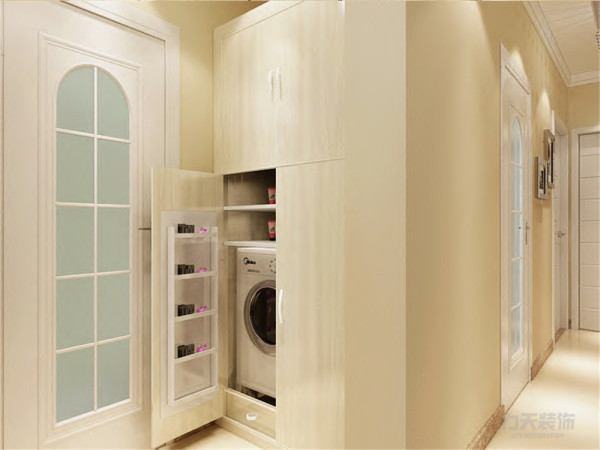 在主卧与卫生间中间的空间设计了一个储物柜,可以把洗衣机以及杂物放置进去,为家居节省了空间