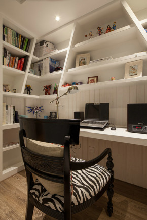 简约 欧式 三居 美式 地中海 混搭 80后 小资 书房图片来自成都V2装饰在108平美式甜蜜窝的分享