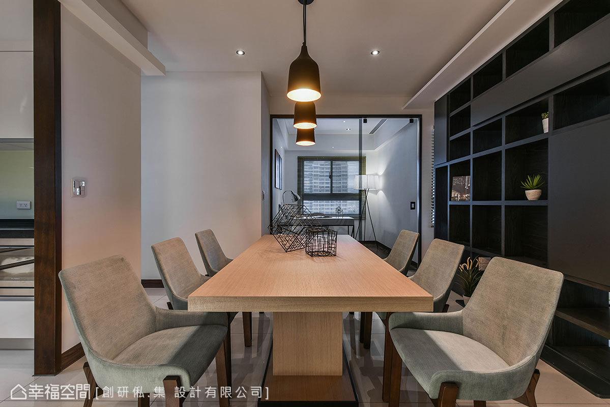 二居 现代 简约 收纳 餐厅图片来自幸福空间在99平现代风格冠德鼎峰的分享