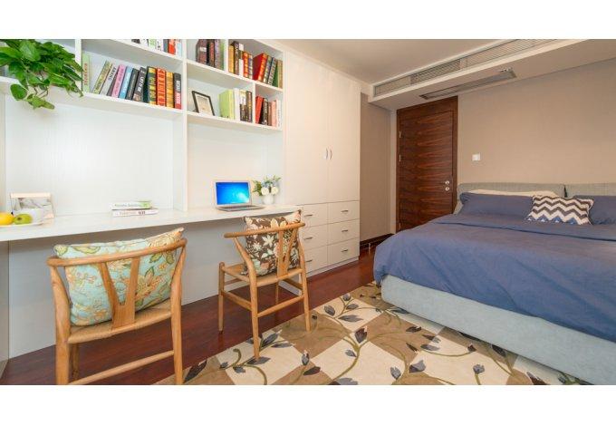 现代 简约 三居室 卧室图片来自成都丰立装饰工程公司在122平舒适现代简约风的分享