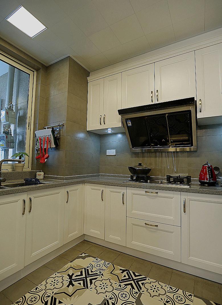 厨房图片来自家装大管家在明快简洁 170平现代淡雅舒适3居的分享