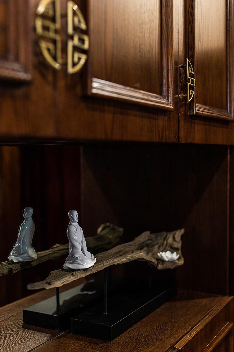 新中式 古典图片来自Studio.Y余颢凌设计工作室在都江堰·紫坪福园的分享