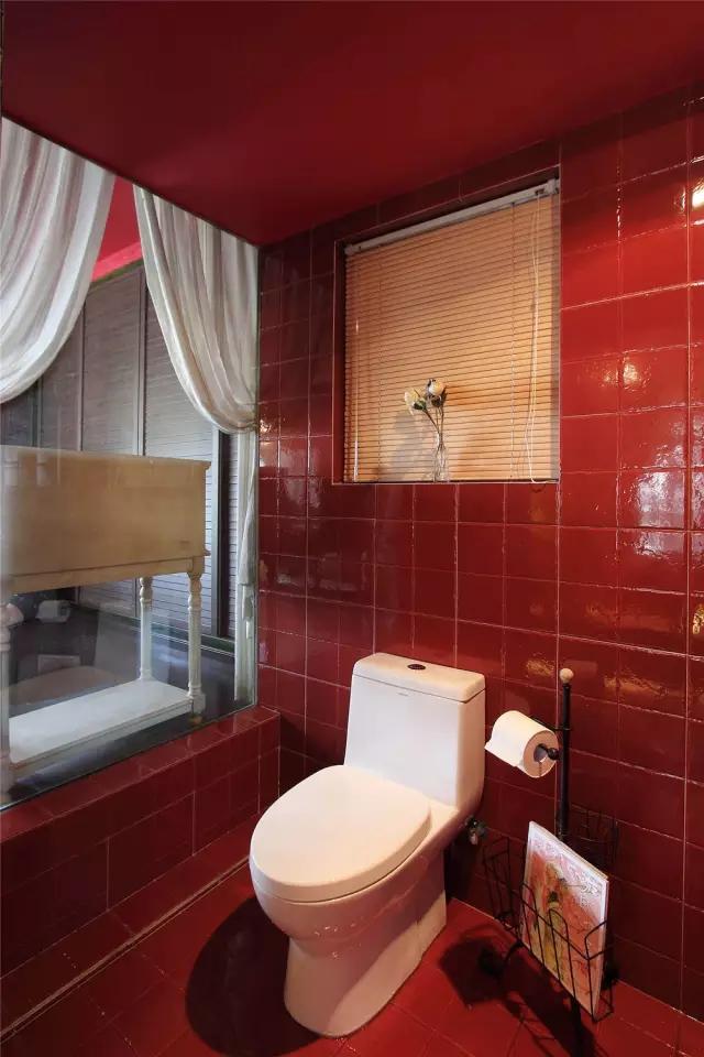 混搭 二居 白领 收纳 旧房改造 小资 客厅 卫生间图片来自沙漠雪雨在72平米最美冷艳女王范儿小公寓的分享