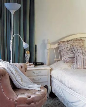 二居 旧房改造 收纳 客厅 地中海 卧室 楼梯 简约 田园 卧室图片来自实创装饰晶晶在地中海风格的分享