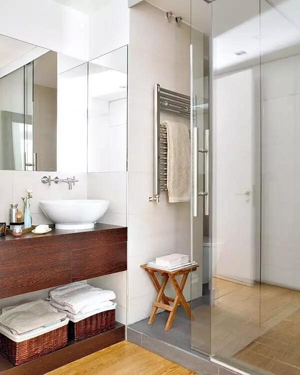 卫生间图片来自家焕然一馨在80㎡优雅两居超别致的中西混搭风的分享