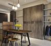 采取开放弹性的格局配置,营造出更多互动交流的空间使用;以沿墙安排的高柜与展示,化简不必要的动线浪费。