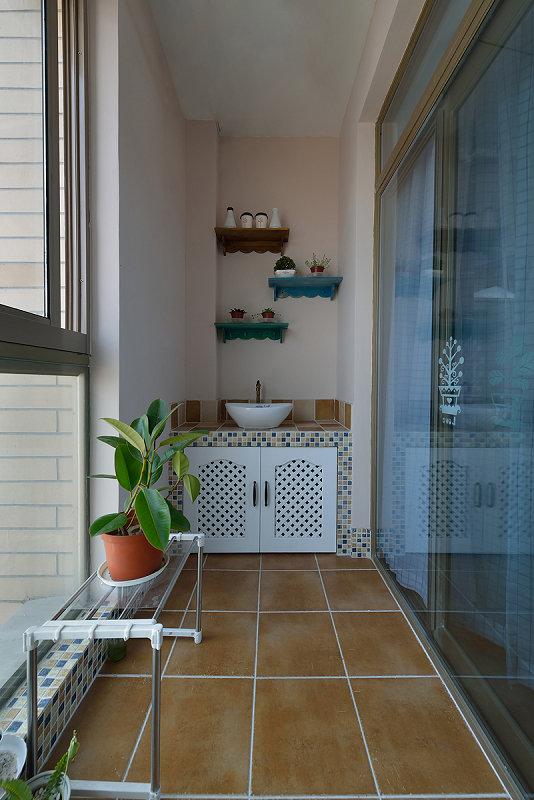 阳台图片来自玉玲珑装饰在于先生蓝调地中海的新房的分享