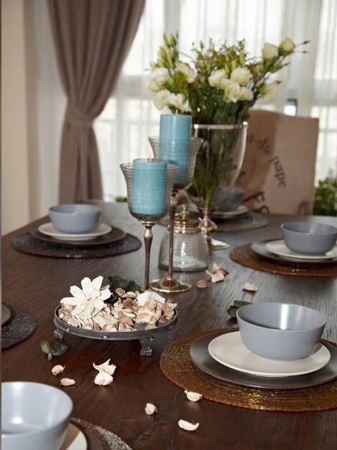 设计 理念 实木餐桌。 主材 说明 地板:东洋铭木 乳胶漆:丹麦福乐阁