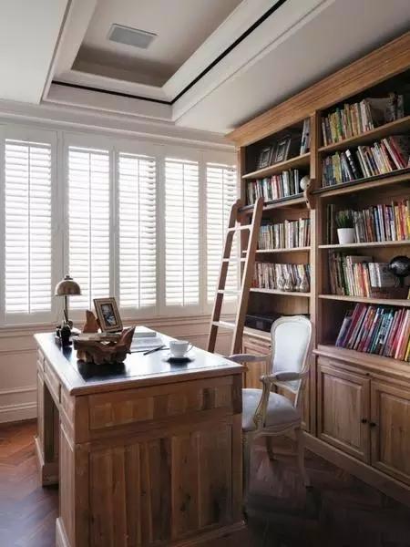 四居 美式 新古典 收纳 豪华 客厅 卧室 书房 卫生间 书房图片来自实创装饰晶晶在155㎡美式古典,黑与白的浪漫邂逅的分享