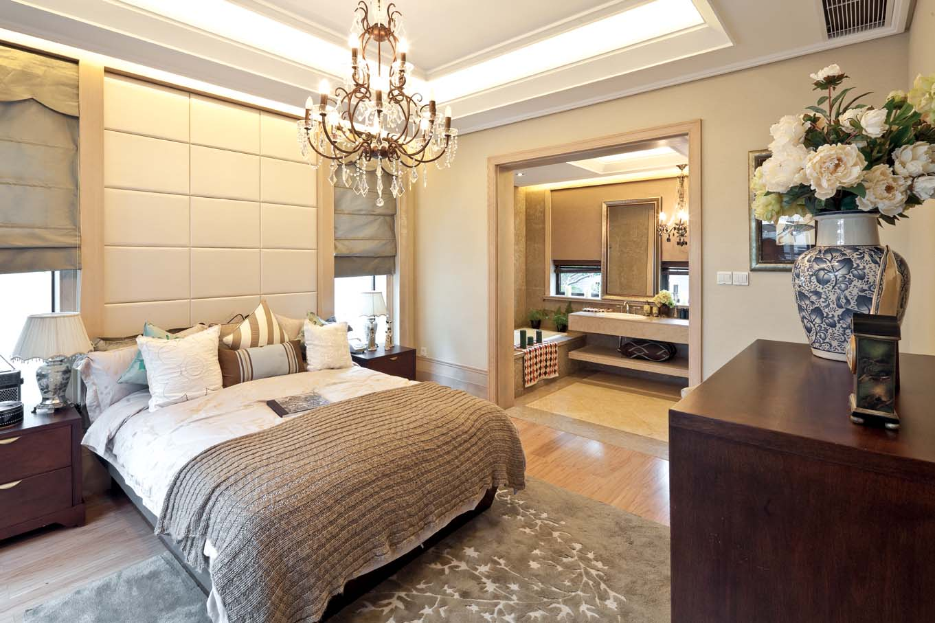 欧式风格 龙湖好望山 别墅 卧室图片来自一道伍禾装饰设计师杨洋在欧式风格之龙湖好望山的分享