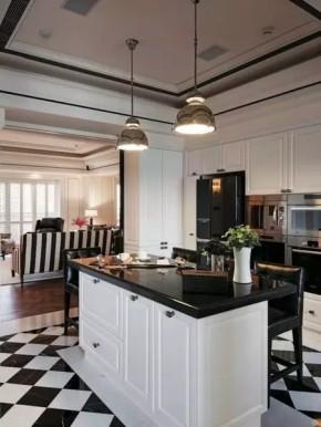 四居 美式 新古典 收纳 豪华 客厅 卧室 书房 卫生间 厨房图片来自实创装饰晶晶在155㎡美式古典,黑与白的浪漫邂逅的分享