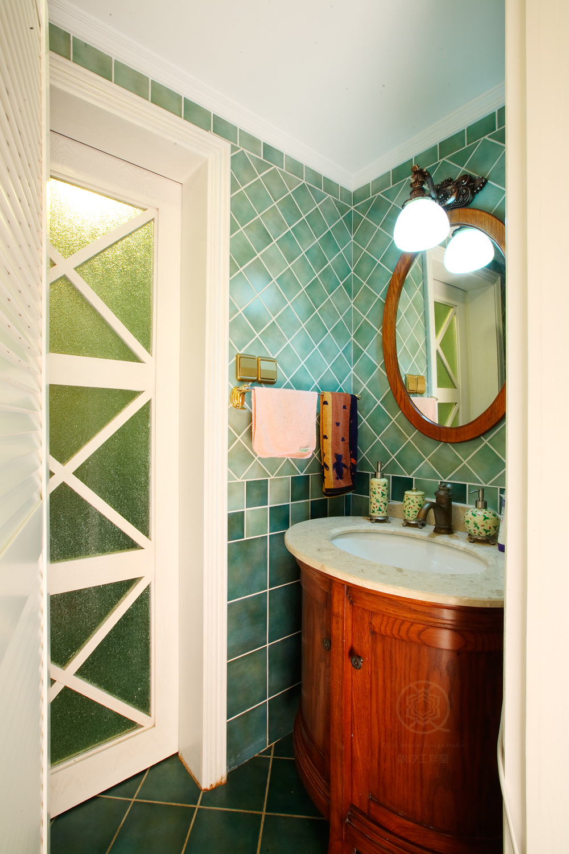 别墅 卫生间图片来自陈秋汐在宁静的彩色家园的分享