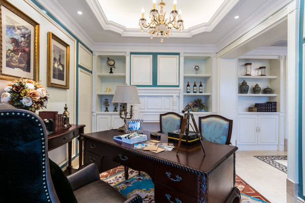 白色的石膏造型和书柜为整个书房增添书卷气息!