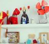 平时最喜欢做的事情就是手作,家里的很多家居饰品都是自己制作,或者旅行时买回的古董手工制品。