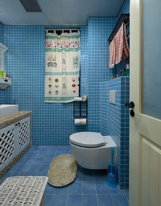 海洋蓝让卫生间干净清晰!