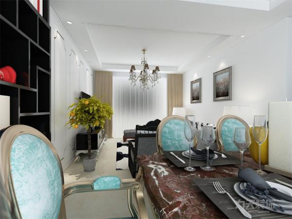 本案在室内空间的塑造上采用极简的装饰元素,运用了大量的花纹壁纸来营造这种温暖、和谐的感受