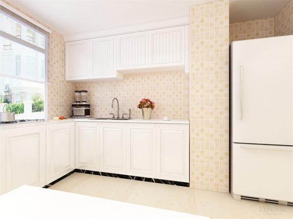 厨房进行了简单的装饰,橱柜也选为白色的,墙面贴了蓝白相间的瓷砖,使厨房看起来更加简洁,卫生。