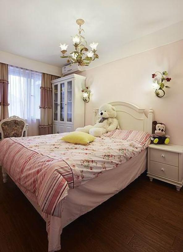 粉色温馨雅致现代风格儿童房
