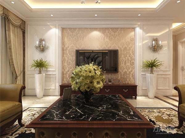地面材料以石材为主,客厅圈了一圈波导线,过道是拼花地砖。欧式客厅非常需要用家具和软装饰来营造整体效果,温馨的皮质沙发,是欧式客厅里的主角。