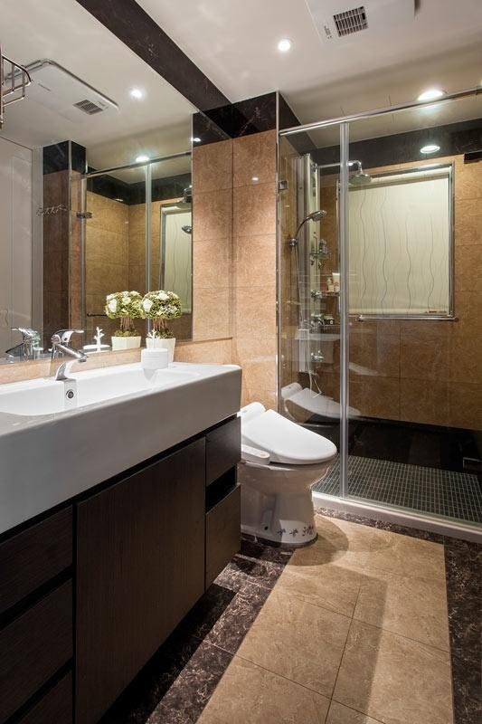 新古典 简约 白色 时尚 装修 卫生间图片来自北京合建高东雪在90平新古典时尚公寓的分享