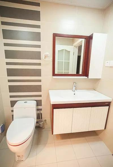 三居 80后 简约 现代风格 旧房改造 卫生间图片来自上海实创-装修设计效果图在你搭配得当看人家的81平两居设计的分享