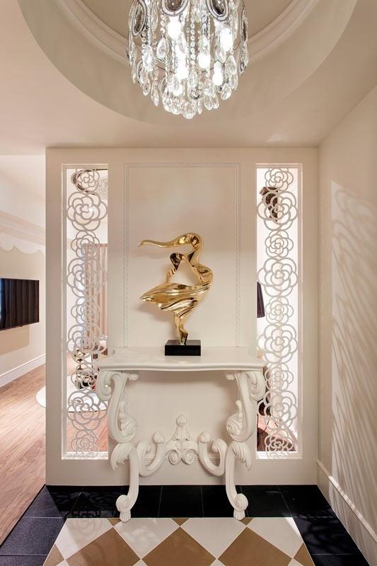 新古典 简约 白色 时尚 装修 玄关图片来自北京合建高东雪在90平新古典时尚公寓的分享