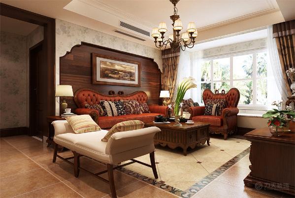该方案是阳光经典三室两厅一厨两卫147平米的一个户型。整体风格为美式,所以本次方案的设计上大部分选用木质材料。地面用的是600*600的仿古砖,在沙发和餐桌下用了斜铺工艺,加上一圈圈线让地面更加丰富。