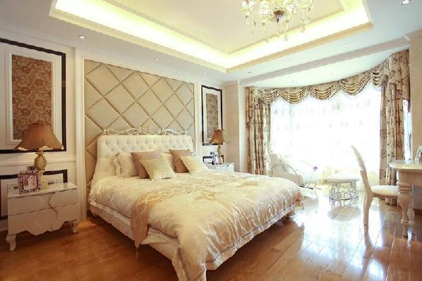 卧室内的结构设计讲究线条的完美性的细节处理,给人一种舒适的感觉,同时要想达到欧式风格卧室效果图的好的效果,此种风格适于面积较大的居室,才不会有种沉闷的感觉,代替的是一种敞亮的美感。