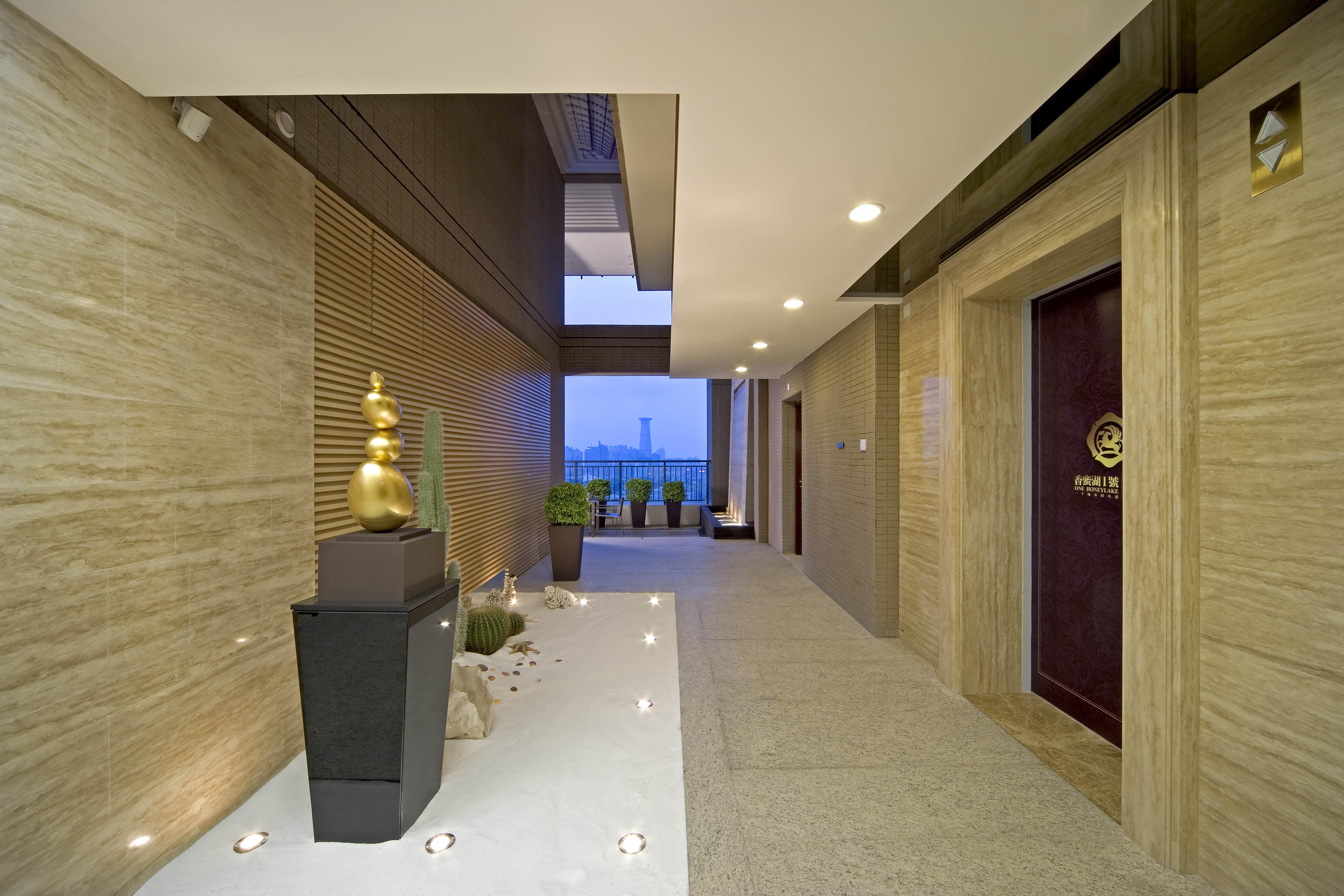 玄关图片来自二十四城装饰重庆分公司在协信阿卡迪亚-4的分享