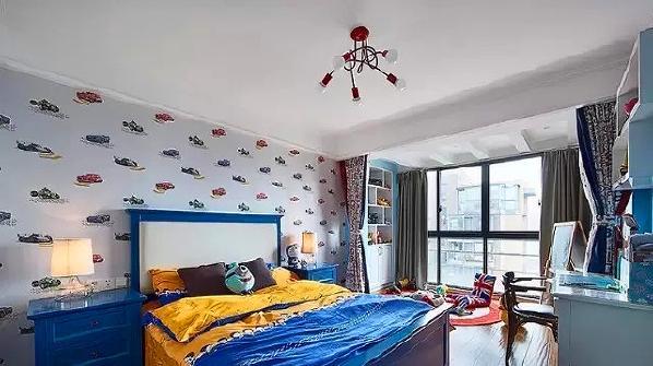 ▲ 儿童房在颜色和软装的运用上都比较童真