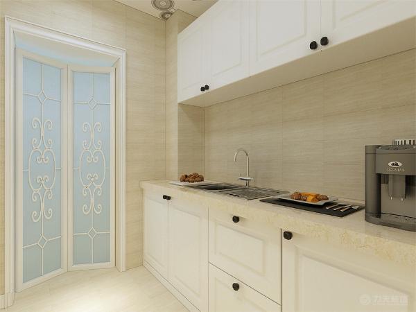 卧室使用原顶乳胶漆饰面,通刷浅咖色乳胶漆。过廊使用了拱形门口设计,然后是储物柜体,下面空出来的区域放置洗衣机。整个空间功能分布合理,给人营造了一种温馨时尚和谐的家居生活