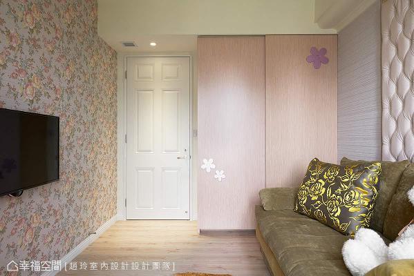 沙发床的设置,可以依照屋主需求,将视听视转化为房间使用。