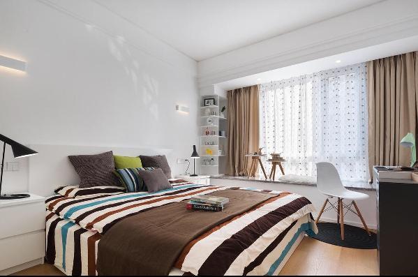 北欧风点点花纹的纱帘营造一个最温馨的卧房