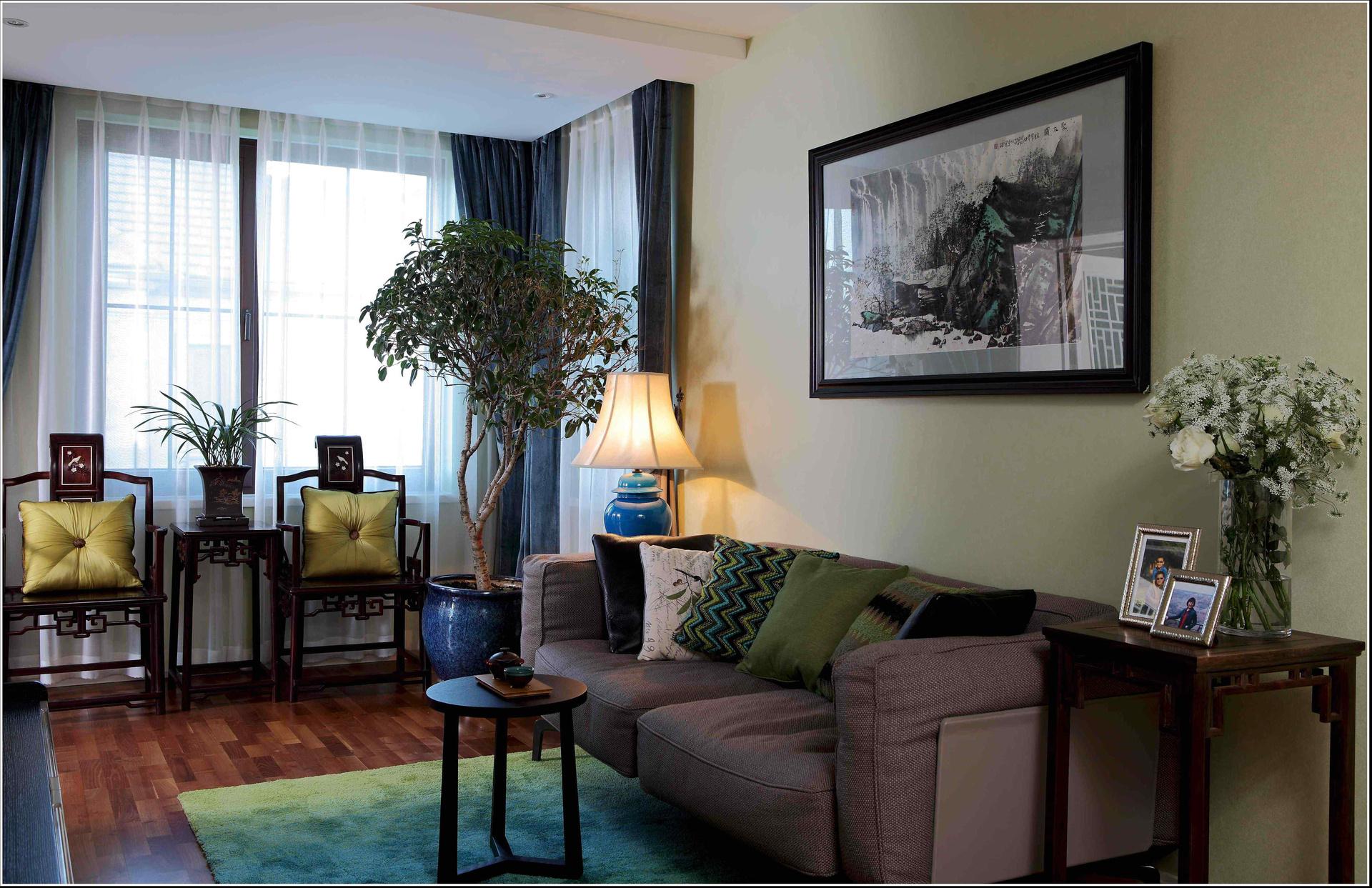 客厅图片来自二十四城装饰重庆分公司在南山独栋的分享