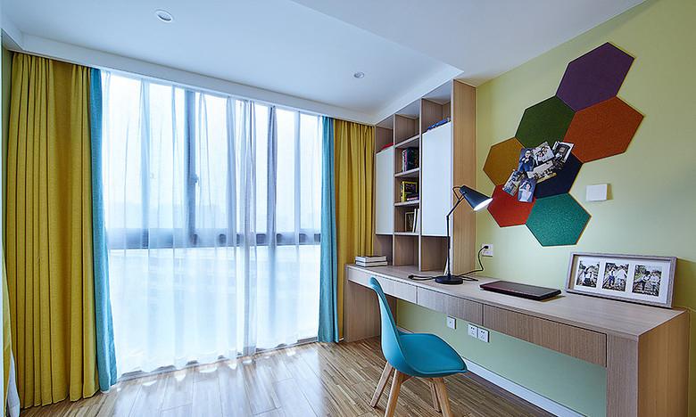 玄关图片来自家装大管家在明媚之选 89平现代北欧原木loft的分享