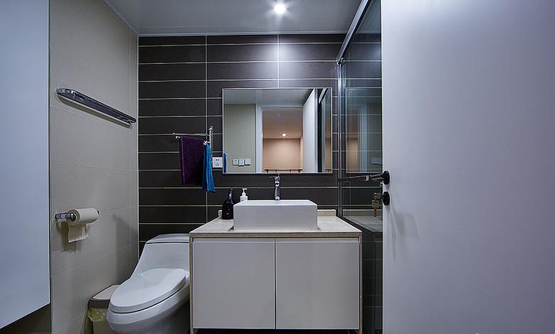 卫生间图片来自家装大管家在明媚之选 89平现代北欧原木loft的分享