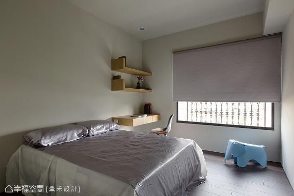 虽是预留给小朋友的房间,但同样具备完整的卧眠与阅读机能,目前可作为长亲房或客房使用。