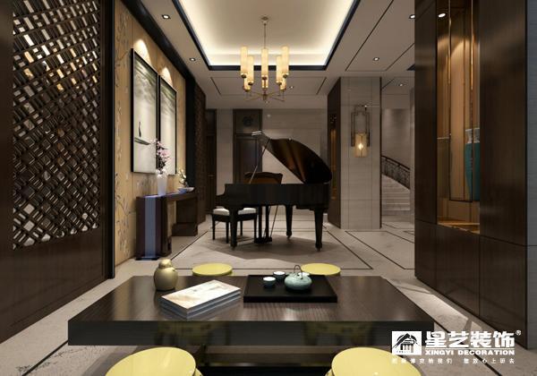 侧向的楼梯间和二楼平台是欣赏人与空间互动所产生美感的绝佳位置。而楼梯间本身在尺度和材料上进行控制,用竖向的半开放结构体和客厅空间开敞的横向延展方式对比。