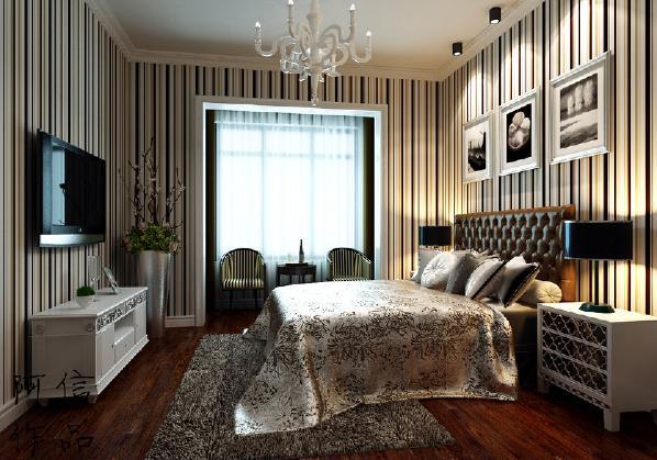 欧式花纹的床、地毯和窗帘是整个卧室的主打色调,但是设计师又用鲜明的乳白色与其相互碰撞,营造对比强烈的空间质感。