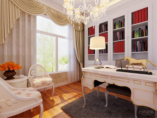 书房运用房型定制整体书柜,顶面运用石线,增加层次,墙面运用暖色壁纸,木色的不地板衬托出了白色的家具典雅大方