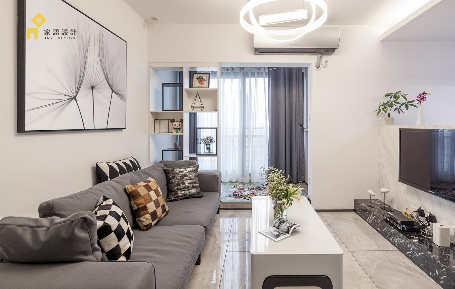 客厅图片来自家语设计张海妮工作室在一所50°灰的家的分享
