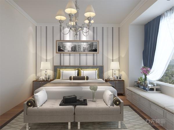 在卧室的设计中,同样我们采用了木色的木地板与竖条壁纸相结合,蓝色的窗帘配搭白色系的双人床使偏冷色系的空间有了少许温暖和亲切。