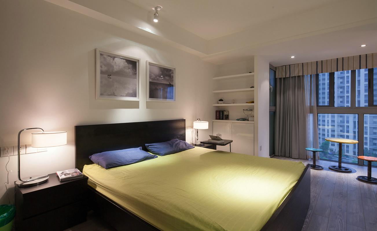 混搭 80后 小资 卧室图片来自上海倾雅装饰有限公司在彩色梦工厂的分享
