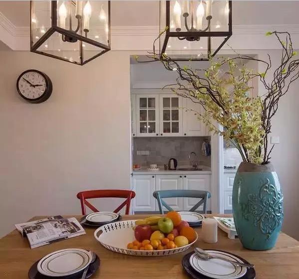 美美的花瓶增加了餐厅的格调,虽然小,却很有情调。