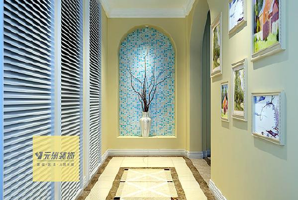 卫生间:墙,地面材质仍然是釉面砖,因为空间有限,所以 在材质上着重考虑拉伸空间的作用,体现其大气的感觉