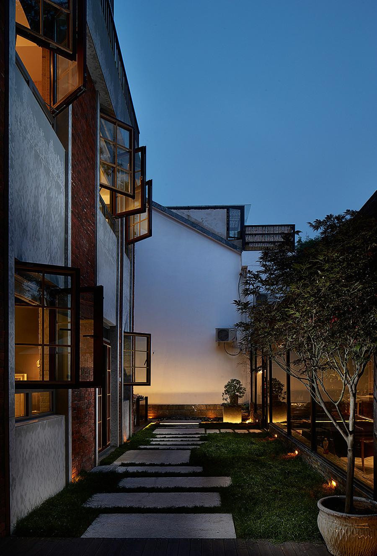 混搭 别墅 80后 其他图片来自上海倾雅装饰有限公司在初夏的时光的分享